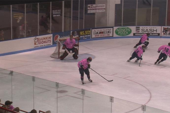 Utica College extends lease agreement with Utica Aud for hockey_-4790368477518937649