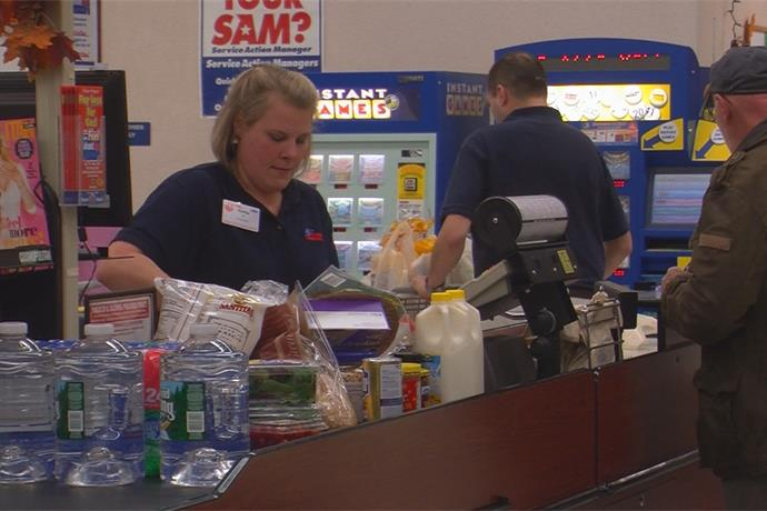 Residents do some last minute shopping before Hurricane Sandy hits our area_-718538037826403990