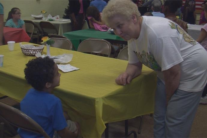 Pen Pals Program Brings Children & Senior Citizens Together_6700281401929583948