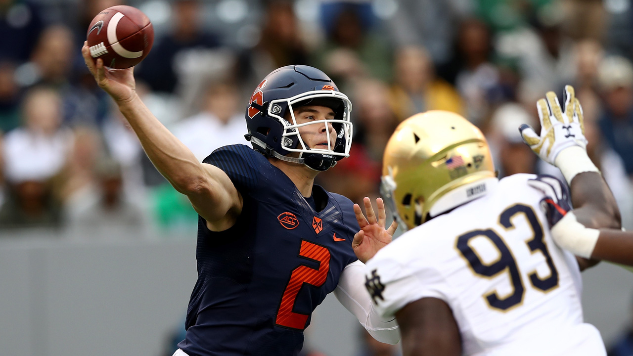 Eric Dungey passes against Notre Dame-118809342