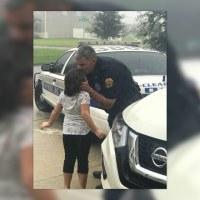 hurricane_officer_kiss_1505098735488.jpg