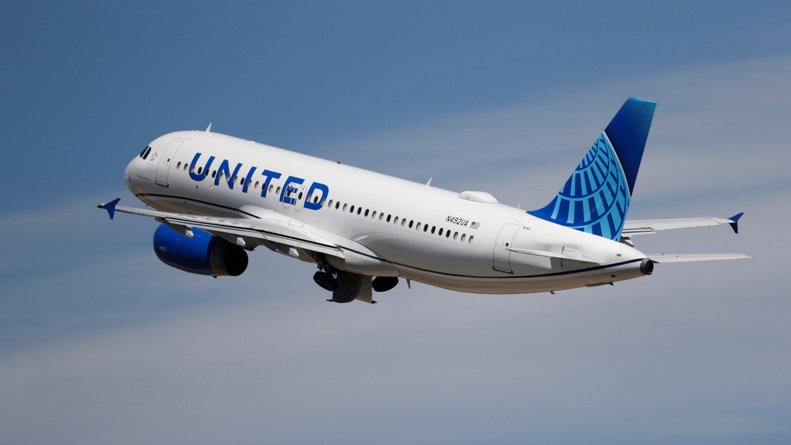 denver international airport, united airlines